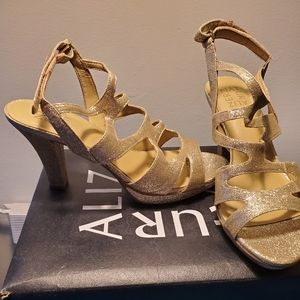 Womens dress shoe